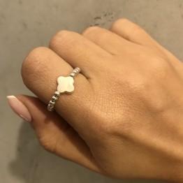 Pierścionek ze srebra z kamieniem górskim