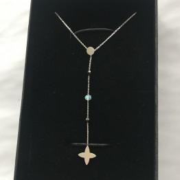 Naszyjnik lilijka z kamieniami na łańcuszku srebro 925