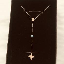 Naszyjnik z lilijką na łańcuszku z kamieniami złoto 9k