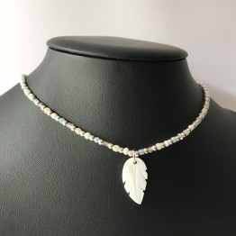 Choker BOHO piórko z masy perłowej ze srebra 925