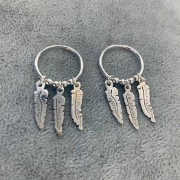 Kolczyki koła 16 mm z piórkami srebro 925