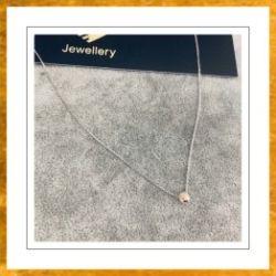 Naszyjnik z białego złota 9 karat z kamieniem tęcza swarovski