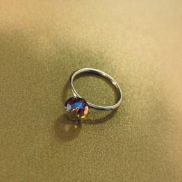 Pierścionek z kamieniem swarovski 8 mm