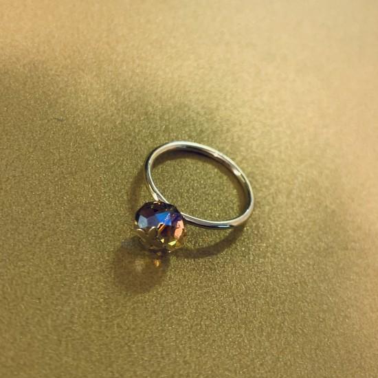 Pierścionek z kamieniem swarovskiego 8 mm