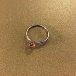 Pierścionek z kamieniem swarovski 6 mm