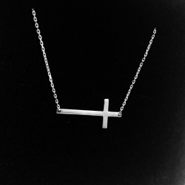 Naszyjnik z dużym prostym krzyżem ze srebra 925
